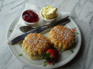 How to eat a scone